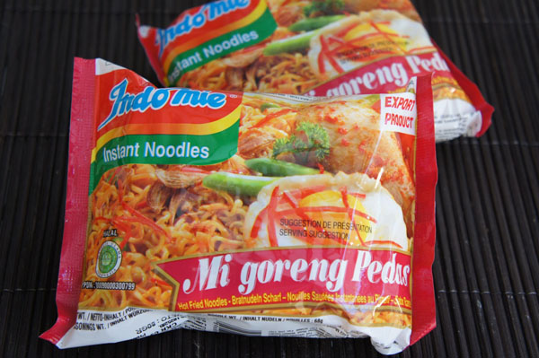 Instant Noodles Mie Goreng / Los fideos instantáteos indonesios mie goreng